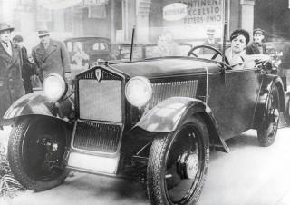 El primer automóvil de gran volumen con tracción delantera cumple 80 años