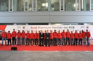 Los jugadores de FC Barcelona reciben sus nuevos vehículos Audi