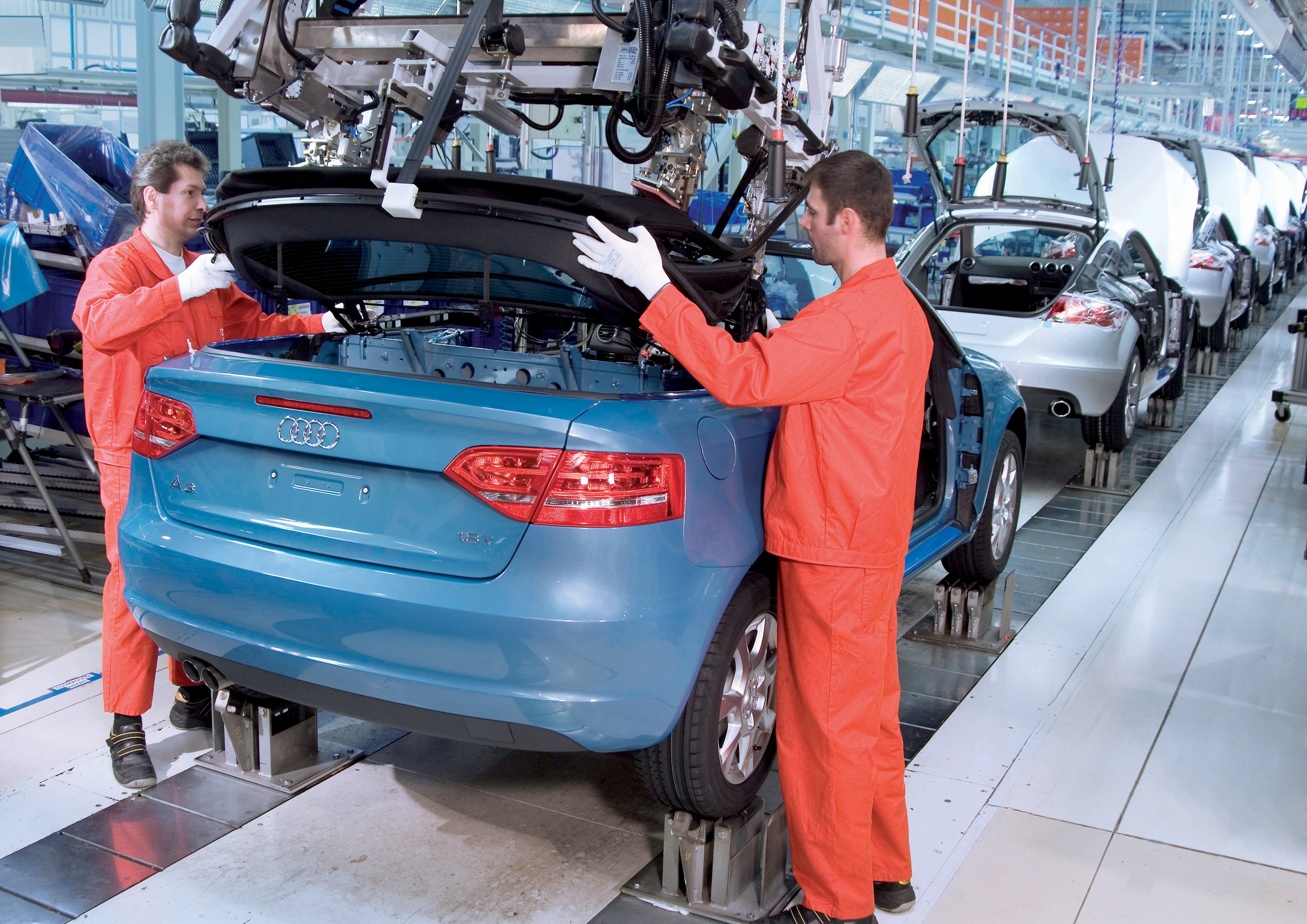 Fertigung des Audi A3 Cabriolets bei der AUDI HUNGARIA Motor Kft. in Gyoer, Ungarn