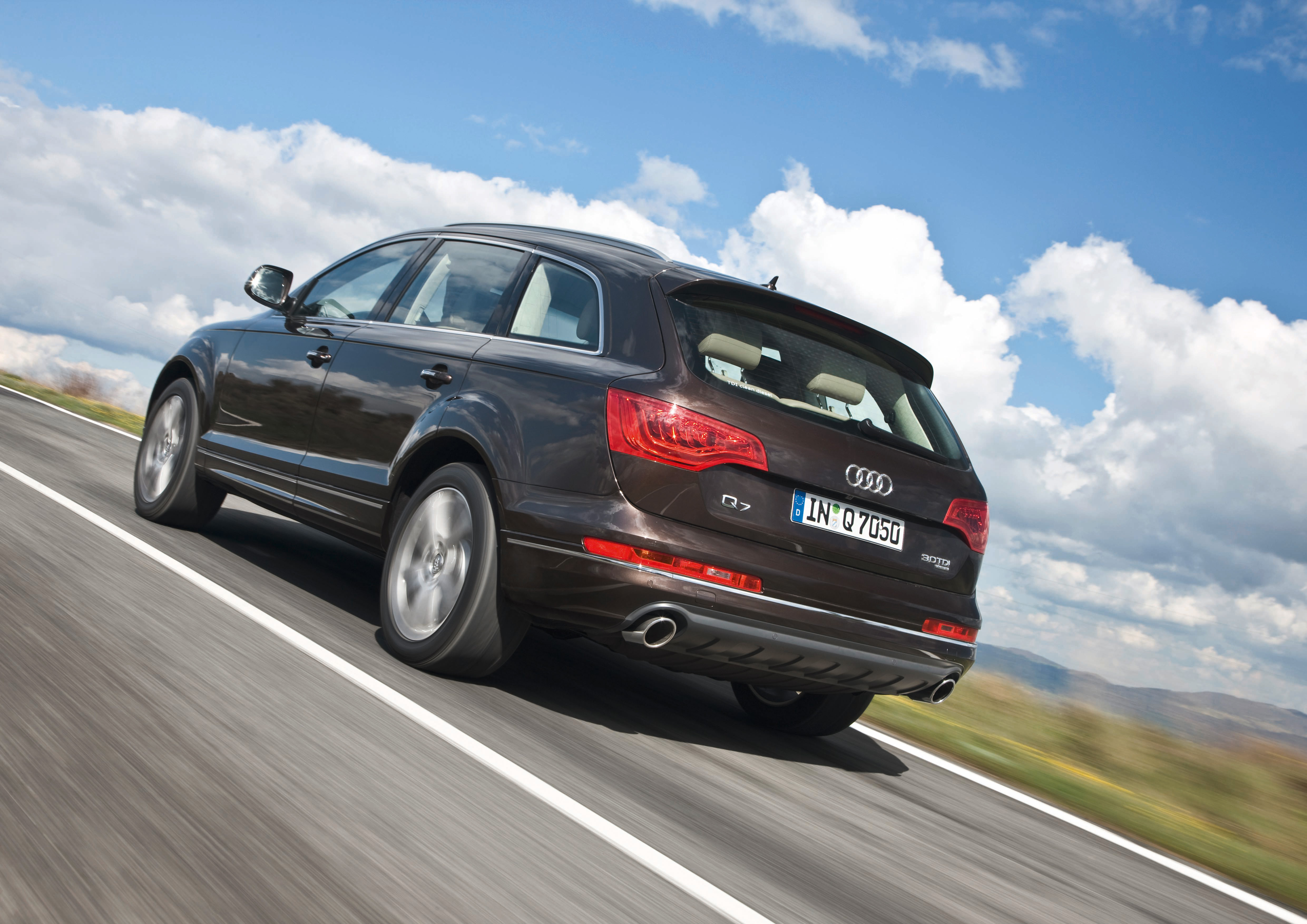 Audi Q7 3.0 TDI clean diesel quattro/Fahraufnahme