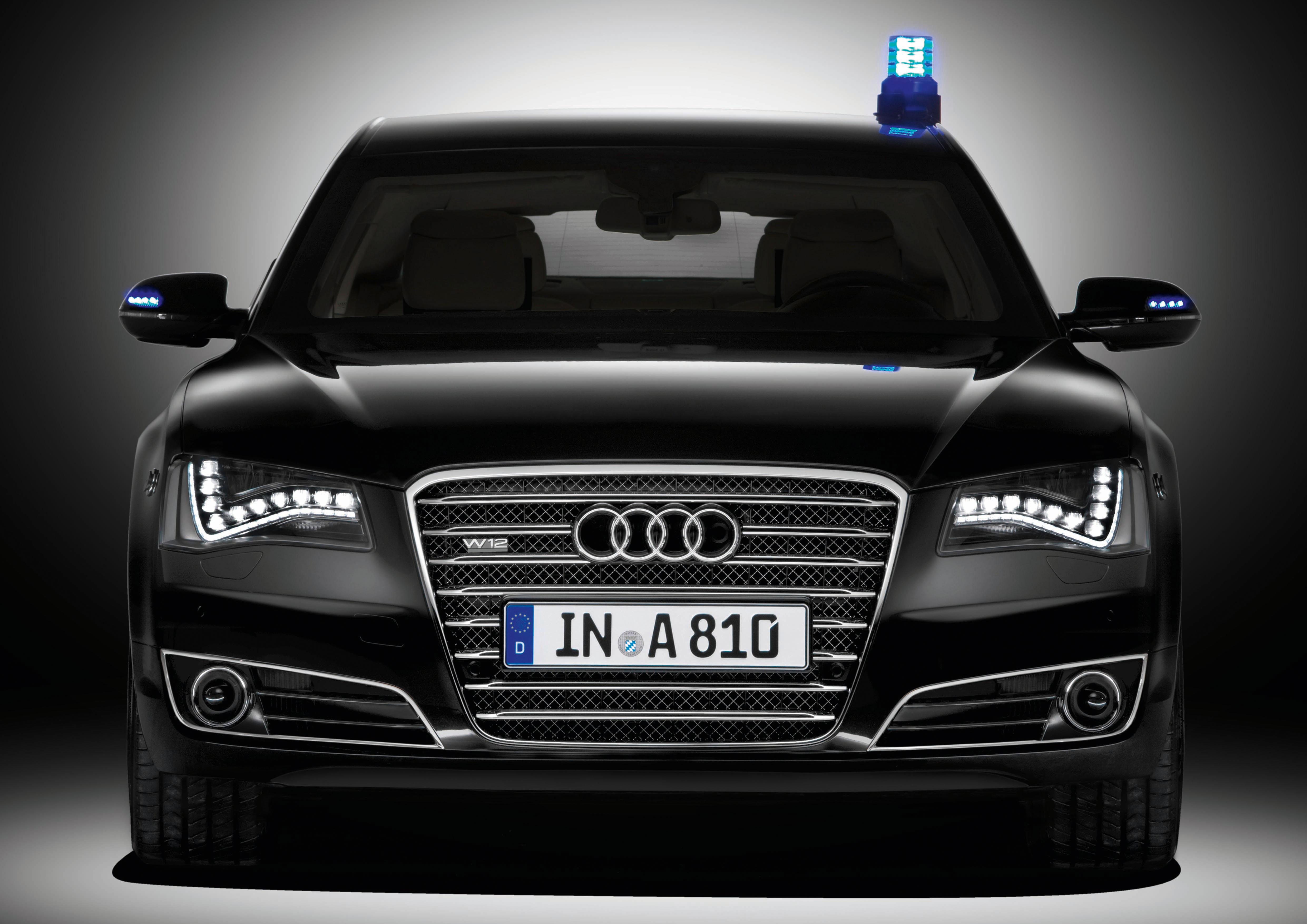 Audi A8 L Security/Standaufnahme
