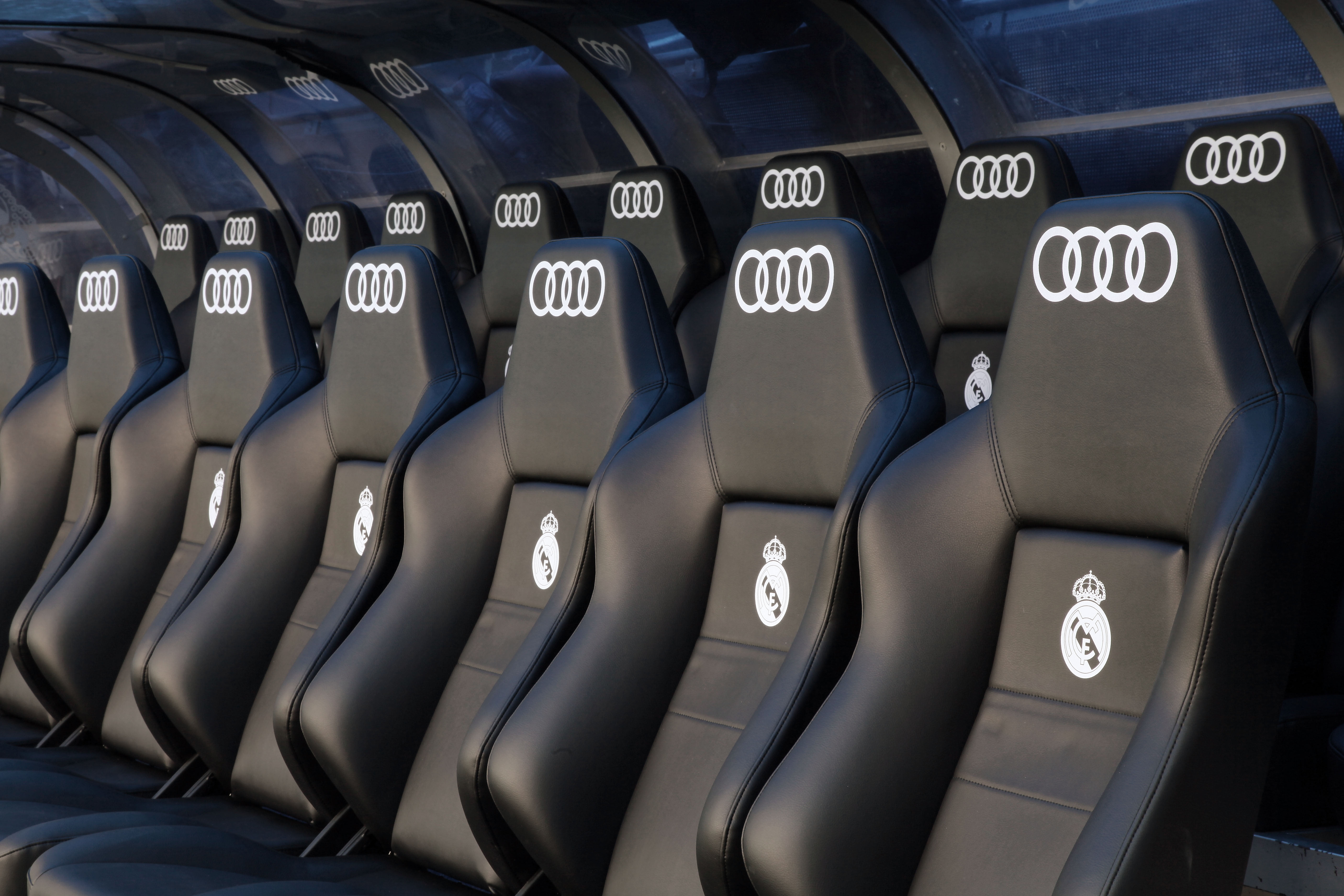 Banquillo Real Madrid Audi