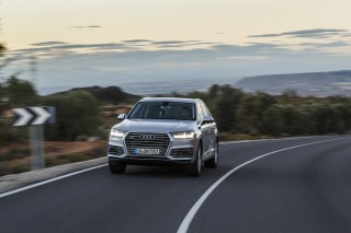 Audi Q7 e-tron quattro_02