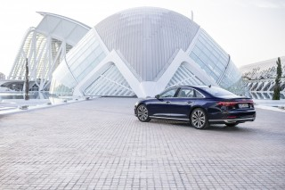 Audi A8 55 TFSI quattro_33