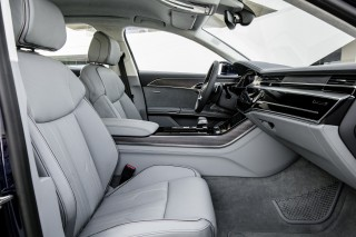 Audi A8 55 TFSI quattro_43