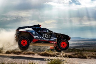 El Audi RS Q e-tron se pone a prueba bajo el  sol de España